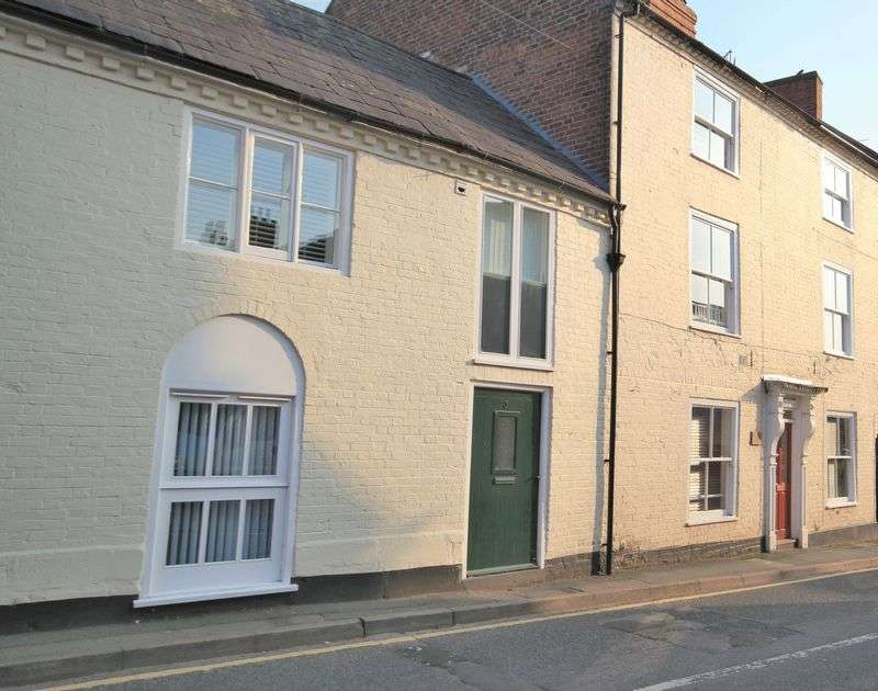 2 Bedrooms Terraced House for sale in St. Johns Street, Whitchurch