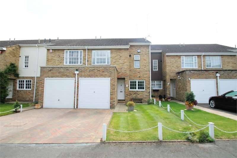 4 Bedrooms Terraced House for sale in Laura Close, EN1