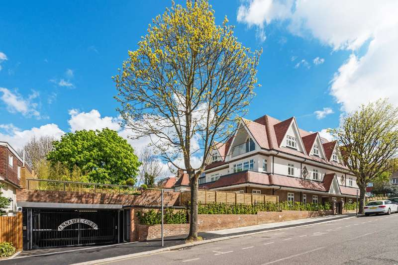 2 Bedrooms Flat for sale in Hodford Road, Golders Green