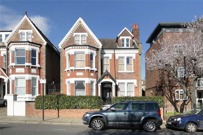2 Bedrooms Flat for sale in Nightingale Lane, Battersea, London, SW12