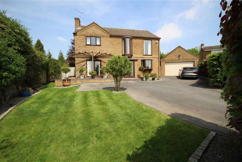 4 Bedrooms Property for sale in Tithe Barn Crescent, Old Town, Swindon