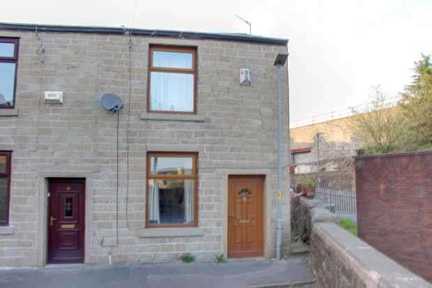 2 Bedrooms Terraced House for sale in Northcoat Street, Rossendale, Lancashire, BB4 5PR