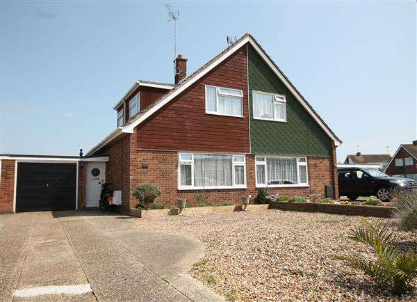 3 Bedrooms House for sale in Kestrel Way, Great Clacton