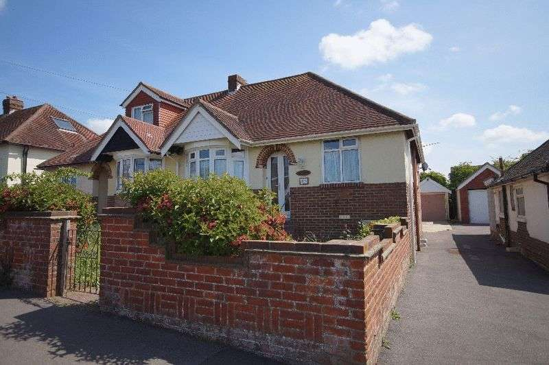 2 Bedrooms Semi Detached Bungalow for sale in Edward Grove, Portchester, Fareham, PO16