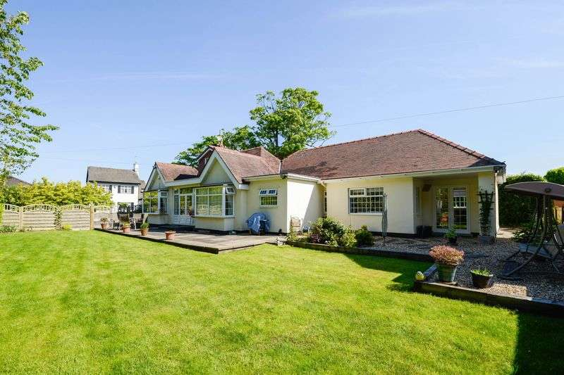 4 Bedrooms Detached Bungalow for sale in Sandy Lane, Aughton, Ormskirk