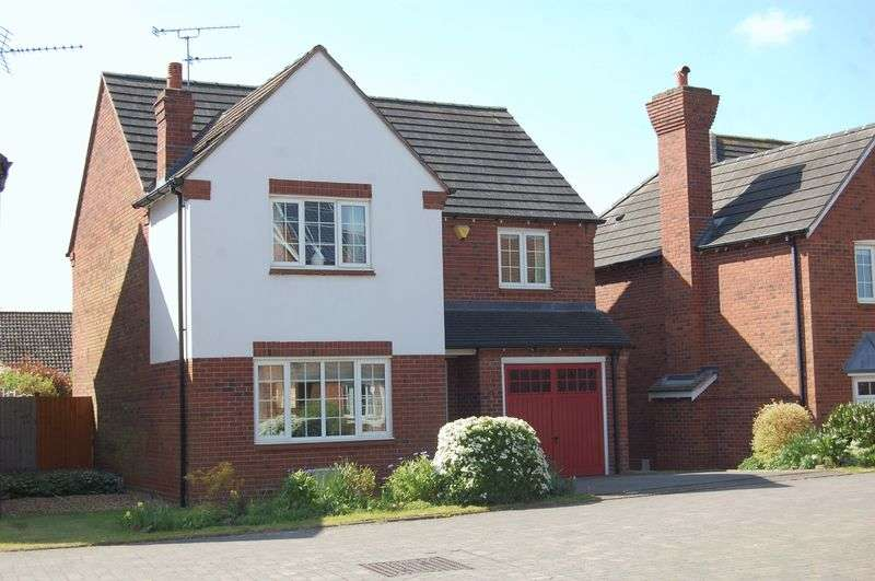 4 Bedrooms Detached House for sale in Longcroft Albrighton