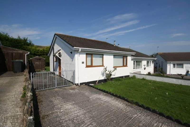 2 Bedrooms Semi Detached Bungalow for sale in Ffordd Llewelyn, Valley, Anglesey