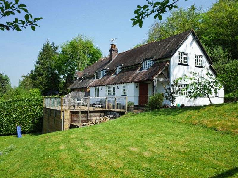 3 Bedrooms Semi Detached House for sale in Nr Knightwick Teme Valley Worcestershire