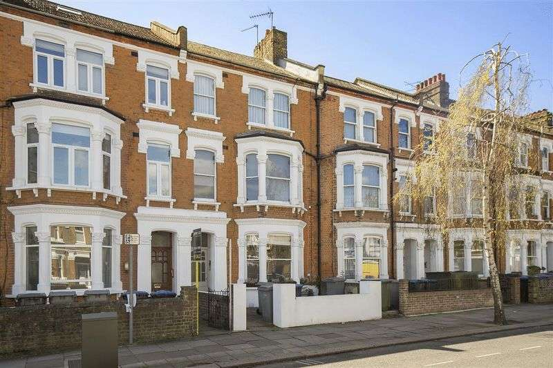 2 Bedrooms Property for sale in Harvist Road,Queens Park London NW6