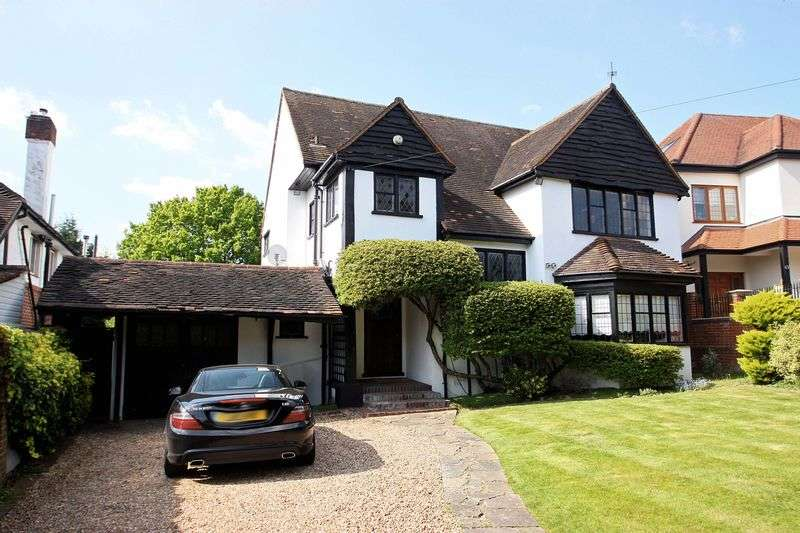 3 Bedrooms Detached House for sale in Tycehurst Hill, Loughton