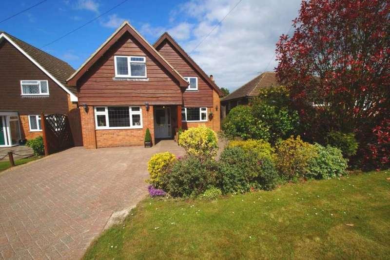 4 Bedrooms Detached House for sale in Leverstock Green Road, Hemel Hempstead