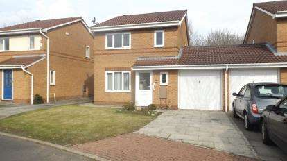 3 Bedrooms Link Detached House for sale in Mossbrook Drive, Cottam, Preston, Lancashire, PR4