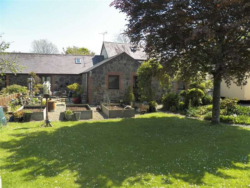 4 Bedrooms Semi Detached House for sale in Rudbaxton, Haverfordwest