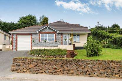3 Bedrooms Bungalow for sale in Penwithick, St. Austell, Cornwall