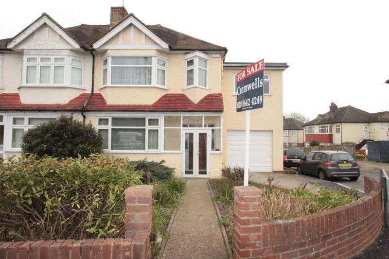 5 Bedrooms Semi Detached House for sale in Garth Road, Morden