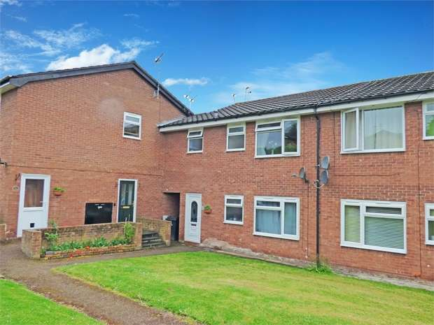 1 Bedroom Flat for sale in Springfield Avenue, Helsby, Frodsham, Cheshire