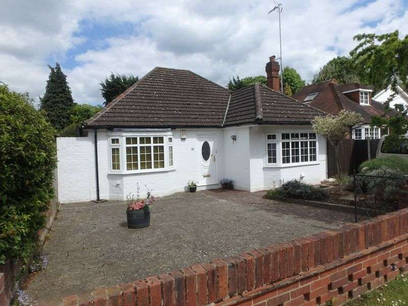 2 Bedrooms Detached House for sale in Langton Avenue, Epsom