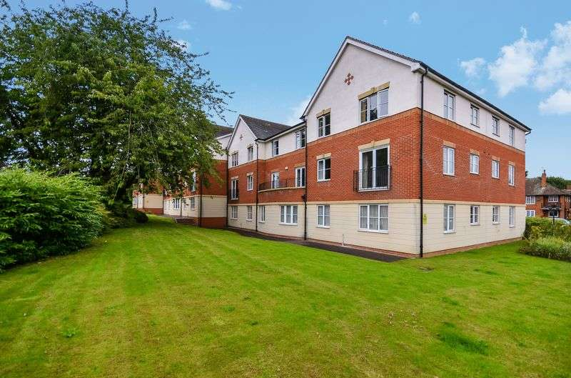 2 Bedrooms Flat for sale in Victoria Court, Leeds, LS15 8SJ