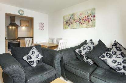 1 Bedroom Flat for sale in Conrad Court, 2 Needleman Close, London
