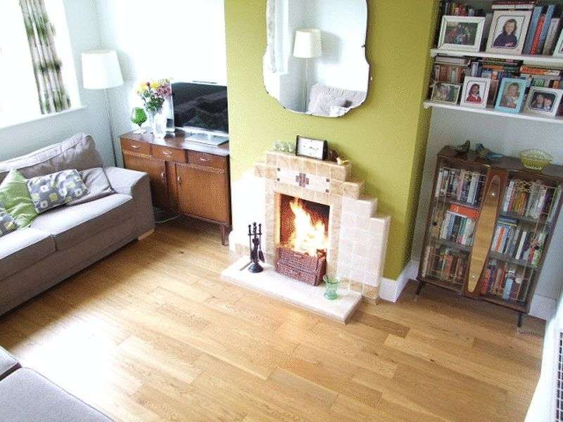 3 Bedrooms Semi Detached House for sale in Malvern Avenue, Stapenhill