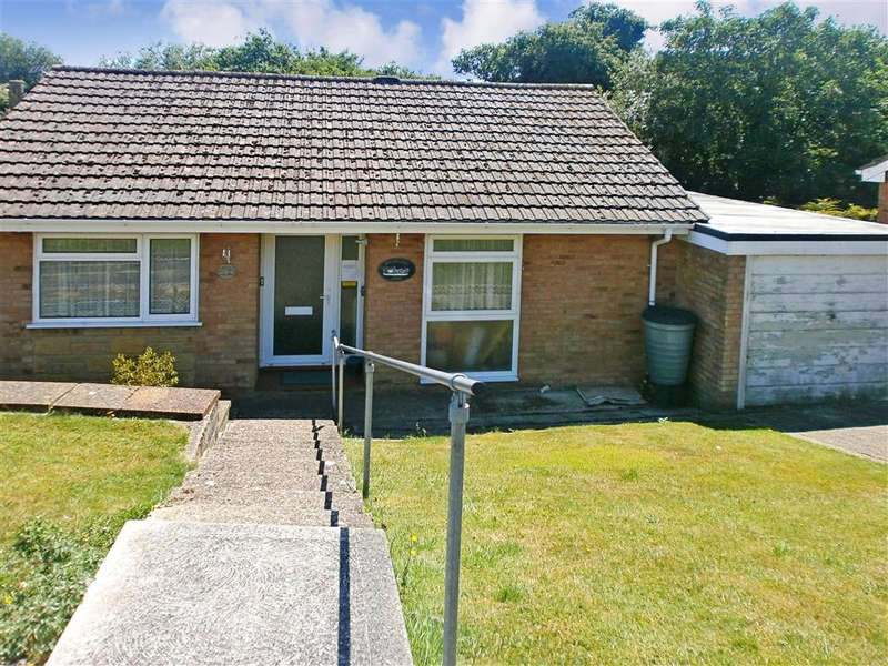 2 Bedrooms Bungalow for sale in Hefford Road, East Cowes, Isle of Wight