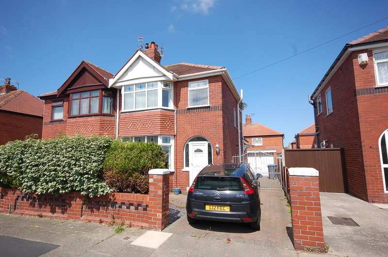 3 Bedrooms Semi Detached House for sale in Crompton Avenue, Blackpool