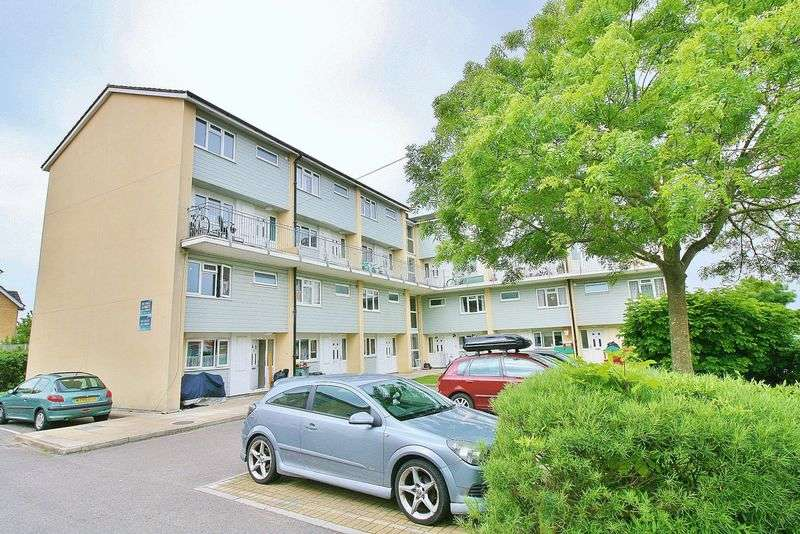 2 Bedrooms Flat for sale in Fort Cumberland Road, Eastney
