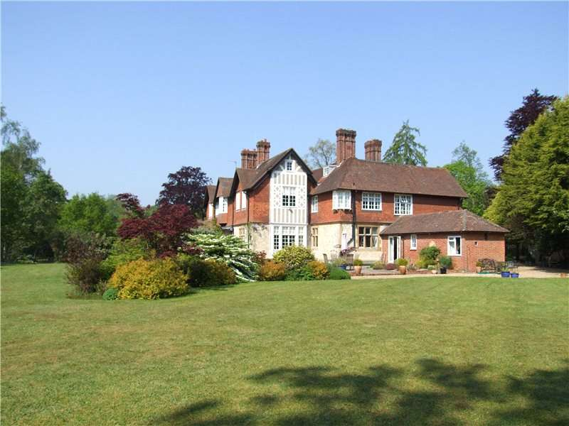 6 Bedrooms House for sale in Petersfield Road, Greatham, Liss, Hampshire, GU33