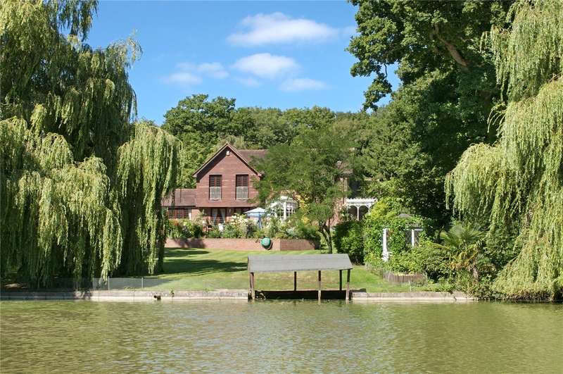 4 Bedrooms Detached House for sale in Hensting Lane, Fishers Pond, Hampshire, SO50