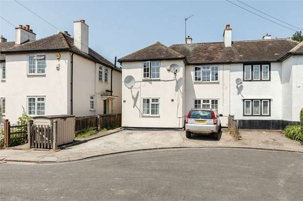 4 Bedrooms Semi Detached House for sale in Norbroke Street, London