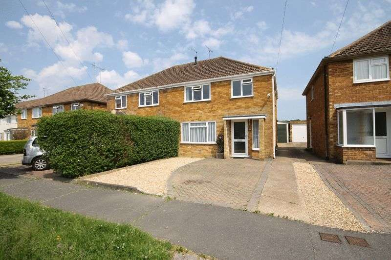 3 Bedrooms Semi Detached House for sale in Potters Lane, Burgess Hill, West Sussex