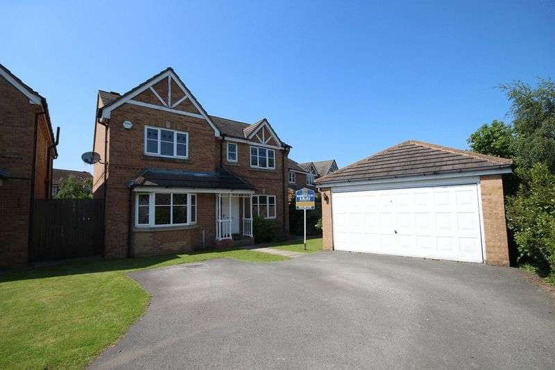 4 Bedrooms Detached House for sale in Pymont Drive, Leeds
