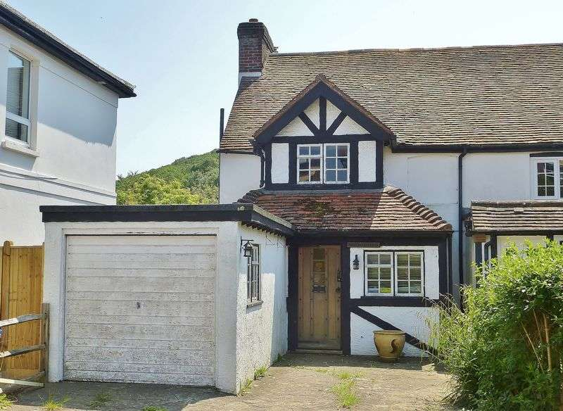 2 Bedrooms Semi Detached House for sale in The Street, Poynings, West Sussex,