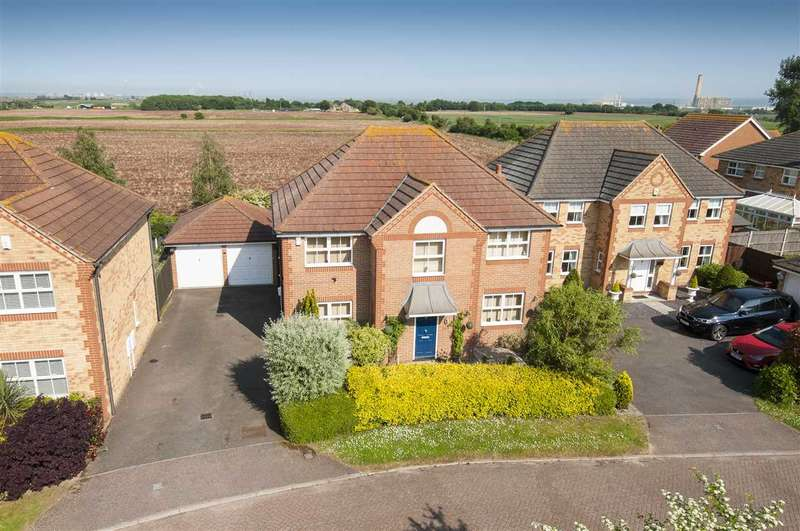 4 Bedrooms Detached House for sale in Cardigan Close, High Halstow