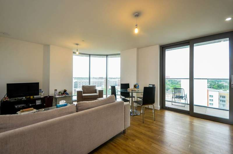 2 Bedrooms Flat for sale in Cornmill Lane, Lewisham, SE13