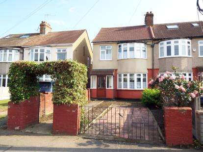 3 Bedrooms Semi Detached House for sale in Hornchurch
