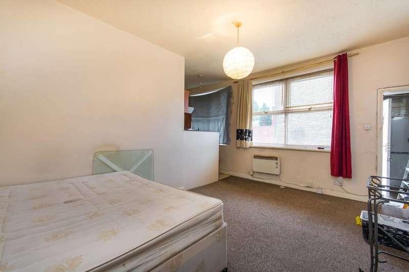 Studio Flat for sale in Whitehorse Road, Thornton Heath, CR0