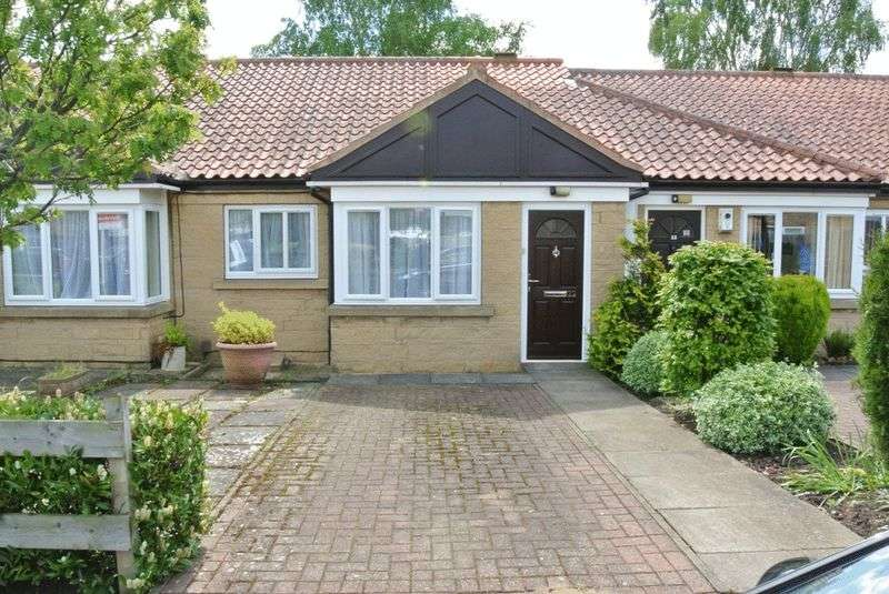 2 Bedrooms Bungalow for sale in Pennine Close, Mansfield