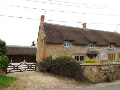 2 Bedrooms Semi Detached House for sale in Ilminster, Somerset