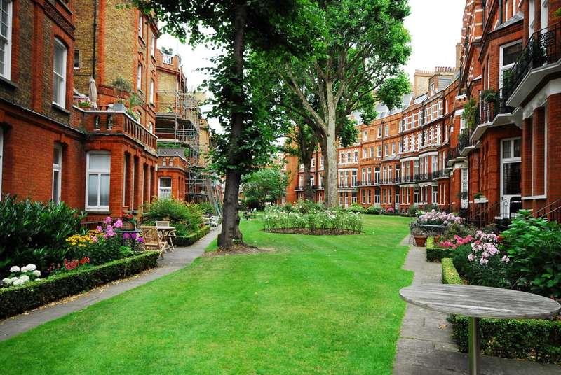 1 Bedroom Flat for sale in Egerton Gardens, Knightsbridge, SW3
