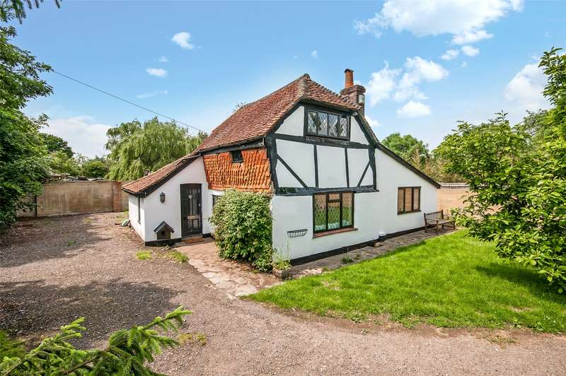 3 Bedrooms Detached House for sale in Reigate Road, Hookwood, RH6