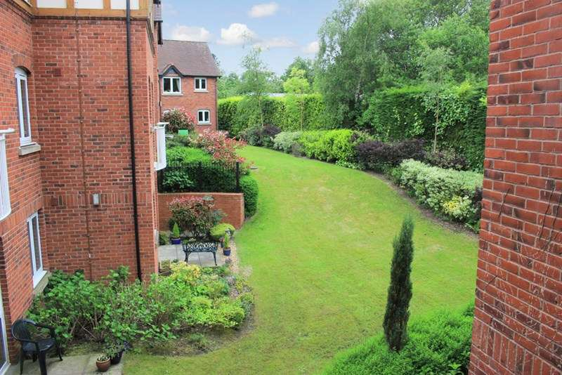 1 Bedroom Retirement Property for sale in Mills Court, Sutton Coldfield, B74 2XH