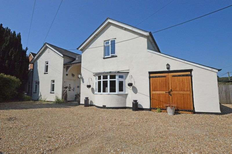 3 Bedrooms Detached House for sale in Basingstoke Road, Alton, Hampshire