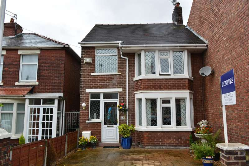 3 Bedrooms Link Detached House for sale in Briercliffe Avenue ,Stanley Park, Blackpool, , FY3 9LY