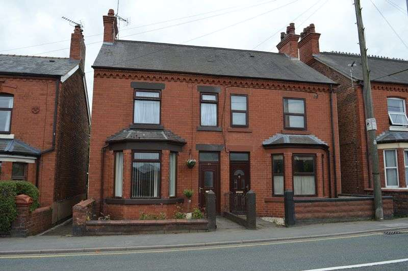 3 Bedrooms Semi Detached House for sale in Mold Road, Buckley