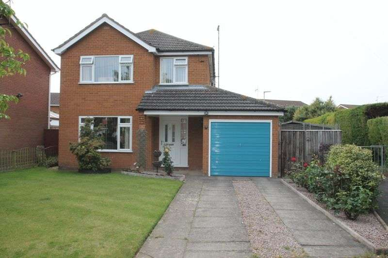 3 Bedrooms Semi Detached House for sale in Edwina Avenue, Pinchbeck
