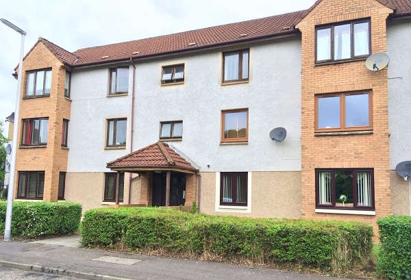 2 Bedrooms Flat for sale in Pentland Terrace, High Valleyfield, KY12