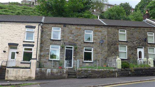 2 Bedrooms Terraced House for sale in A Little Gem in Tylorstown