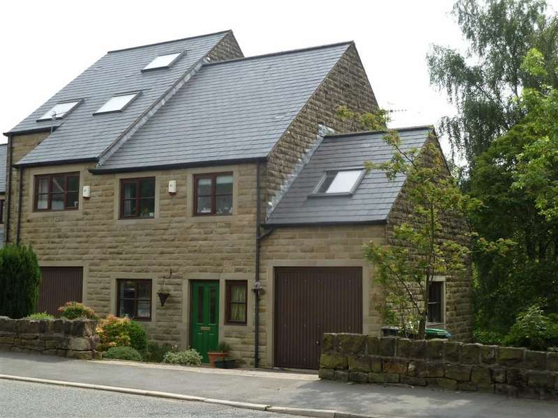 3 Bedrooms Property for sale in Huddersfield Road, Diggle, SADDLEWORTH, OL3