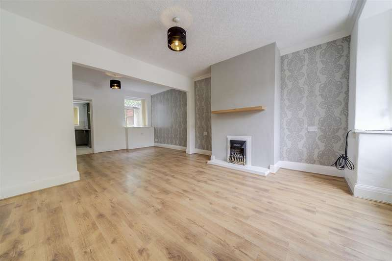 3 Bedrooms Property for sale in Springhill Avenue, Stacksteads, Bacup